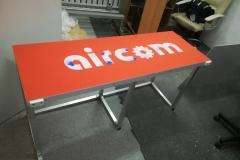 stelaż aluminiowy pod stolik na gablotę