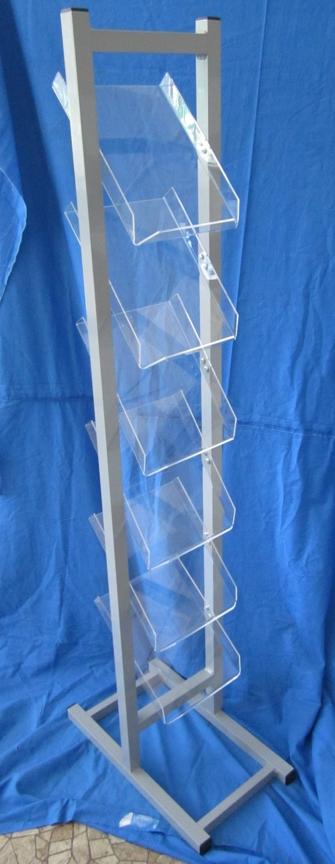 stojak aluminiowy zpółkami zplexi