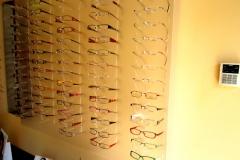 wieszak z pelxi szronionej na okulary